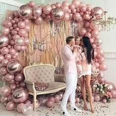 What can be better than handmade balloon decorations to enliven a party? Here is an amazing gallery of DIY balloon decorating ideas to help you out. Browse below. Artistic DIY Balloon Decorating Ideas and Arrangements Diy Balloon, Balloon Backdrop, Balloon Decorations Party, Balloon Garland, Birthday Party Decorations, Baby Shower Decorations, Flower Decorations, Wedding Decorations, Birthday Parties