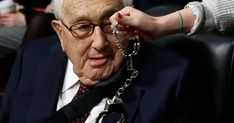 'Great American villain' Henry Kissinger faces citizen's arrest inside a Senate hearing room - Code Pink stole the show yesterday with an attempted citizen's arrest of Henry Kissinger for War Crimes committed during his tenure a. Christopher Hitchens, Service Awards, Public Service, Laos, Bbc History, Henry Kissinger, International Bank, Justiz, Nobel Peace Prize