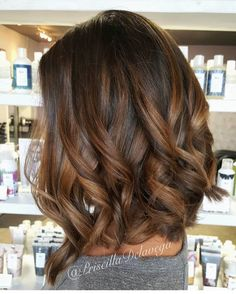 New Hair Balayage Brunette Caramel Highlights Curls 20 Ideas Brown Hair Balayage, Balayage Brunette, Balayage Color, Balayage Highlights, Brunette Highlights, Color Highlights, Brunette Color, Dark Hair Lowlights, Dark Balayage