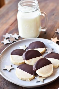 Dark Chocolate Dipped Almond Shortbread Cookies are the perfect cookie, mixing a smooth almond flavor with dark chocolate goodness. Fruit Cake Cookies Recipe, Yummy Cookies, Chocolate Dipped, Melting Chocolate, Almond Shortbread Cookies, Holiday Snacks, Delicious Cookie Recipes, Perfect Cookie, Christmas Sweets