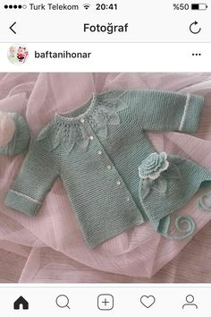 Discover thousands of images about azile Altan Baby Knitting Patterns, Baby Girl Patterns, Baby Cardigan Knitting Pattern, Kids Patterns, Knitting For Kids, Free Knitting, Baby Gifts To Make, Baby Sweaters, Baby Dress