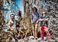 Hablamos con Martyn Jaramillo y Nach Pilonieta  de Mr. Badulaque, quienes nos contaron sobre este interesante proyecto de rock fusión con raíces en Bogotá y Sibundoy.
