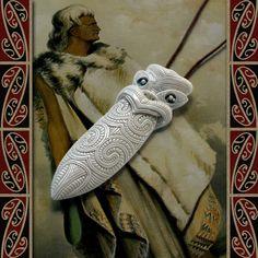 New Zealand Maori Bone Taiaha (Spear head) - Maori Bone Pendant - Bone Necklace - Tribal Pendant - Bone Carving Bone Jewelry, Gypsy Jewelry, Tribal Jewelry, Maori Designs, Beef Bones, Paua Shell, Moon Goddess, Bone Carving, Hippie Chic