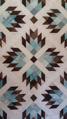 """New pattern by MaterialgitlfriendsDouble bear paw. Three sizes 60"""" square, 90"""" queen and. 120"""" king size!"""