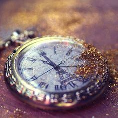 Times are changing by *lieveheersbeestje on deviantART Mystique, One And Only, Enchanted, Amazing Art, Art Photography, Sparkle, Clock, Photoshop, Tumblr