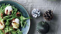 Julebrunch: Frisésalat med pocherede æg og bacon vinaigrette