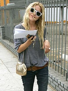 I don't care what anyone says, I like the Olsen-twin style!! Even their casual look is cool