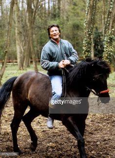 Nachrichtenfoto : Pierre Brice mit Pferd , Homestory, Landhaus,...