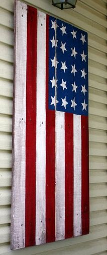 American flag made from pallet slats.