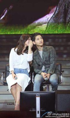 #SongSongCouple #SongJoongKiFanmeetingInChengdu Heirs Korean Drama, Korean Drama Series, Korean Celebrities, Korean Actors, Celebs, Korean Idols, Songsong Couple, Best Couple, Descendants Of The Sun Wallpaper