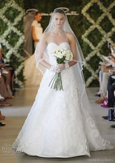 Oscar de la Renta Bridal Spring 2013 Wedding Dress
