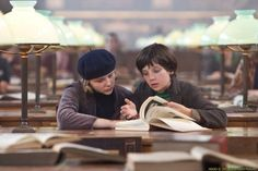 Chloe Moretz As Isabelle And Asa Butterfield As Hugo Cabret