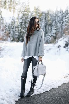 50 Winter Fashion Outfits Ideas For Women 50 Winter Fashion Outfits Ideas For Winter Fashion Outfits Ideas For WomenEntering the end of the year, This time is winter seas Winter Fashion Outfits, Fall Winter Outfits, Look Fashion, Autumn Winter Fashion, Womens Fashion, Mens Winter, Winter Wear, Fashion 2017, Black Boots Outfit