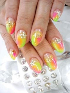 Pretty Nail Designs to Try This Summer...