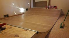 Basement Mini Ramp Skateboard Room, Skateboard Ramps, Mini Ramp, Skate Fashion, Pro Scooters, Skate Style, Diy Things, Skate Park, Skateboarding