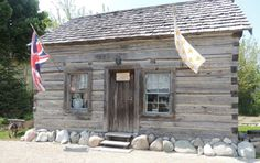 1700's log home on Dusty old thing face book page http://nancyannbird.typepad.com/.a/6a017d3c90eda8970c0192aa51333b970d-450wi