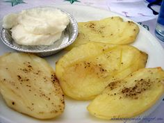 Patatas Asadas en Microondas Kitchen Recipes, Recipies, Food And Drink, Potatoes, Meals, Fruit, Vegetables, Cooking, Queso