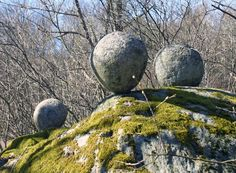 Mysterious stones at Sanda in Österhaninge - Denmark.. These stones amazingly resemble the stones found in places in New Zealand, including the Moeraki boulders