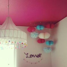 Mayu..さんの、ベッド周り,子供部屋,アクセントクロス,ガーランド,女の子の部屋,ピンク♡,犬と暮らす,新築一軒家,こどもと暮らす,のお部屋写真