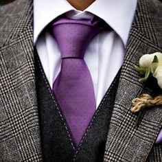 Looking to make your outfit stick out in the crowd? Add a purple or lavender pie. News 2019 - Dankeskarten Hochzeit 2019 - Purple Suits, Purple Grey, Purple Style, Purple Rain, Sharp Dressed Man, Well Dressed, Mens Tweed Suit, Groom And Groomsmen Attire, Groom Tux