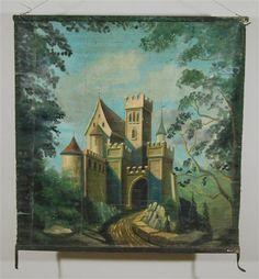 Schloss im Wald / Wald mit Kruzifix