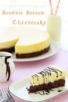 Brownie Bottom Cheesecake - a creamy cheesecake baked on top of a rich, chocolate-y, fudgy brownie. The best of both worlds in one irresistible dessert! Brownie Bottom Cheesecake Recipe, Cheesecake Recipes, Dessert Recipes, Cheesecake Bars, Ultimate Cheesecake, Cheesecake Cupcakes, Chocolate Cheesecake, Cookbook Recipes, Just Desserts