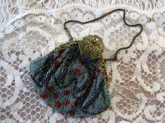 1910s 1920s Beaded Purse / Art Deco / Flapper Beaded Purse / Jeweled Ornate Frame by AntiqueGraces on Etsy https://www.etsy.com/listing/190415159/1910s-1920s-beaded-purse-art-deco