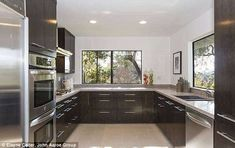 Chris Pine's Hollywood home - kitchen