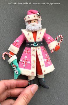 mmmcrafts: final prototype for 'Twas The Night Santa Claus ornament Felt Christmas Ornaments, Noel Christmas, Handmade Christmas, Christmas Decorations, Father Christmas, Christmas Projects, Felt Crafts, Holiday Crafts, Santa Crafts