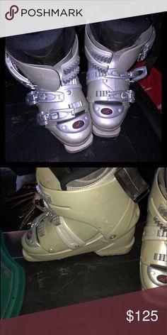 c4c5325707 Ladies Nordica ski boots For downhill skiing. Ladies Nordica ski boots size  7 1