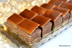 Cate foi are un Dobos? Romanian Desserts, Romanian Food, Yummy Cookies, Cake Cookies, Sweets Recipes, Cake Recipes, Guava Cake, Something Sweet, Sweet Treats