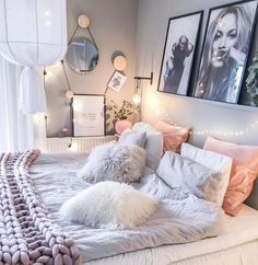 Pin by ab ☆ on teen room inspo schlafzimmer, schlafzimmer id Dream Rooms, Dream Bedroom, Home Bedroom, Bedroom Decor, Bedroom Themes, Bedroom Designs, Cozy Teen Bedroom, Pastel Bedroom, Cute Teen Rooms