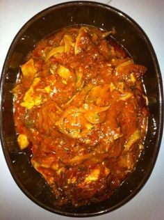 Crock Pot Chicken Caccitore- Got it crocking right now! It smells delicious:) Toss it all in, stir and forget it. Easy Easy.