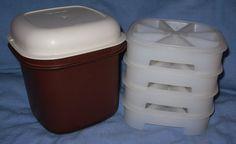 Tupperware VINTAGE Brown  Mini  ICE  Bucket  w/ 4- Stackable WEDGE Cubes TRAYS