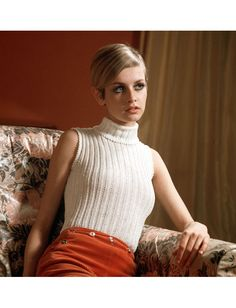 Twiggy hair and 14 other iconic noggins. Hairspo Friday.