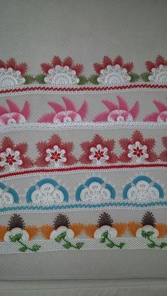 Son yaptığım havlu kenarlarim Filet Crochet, Flower Tutorial, Burlap Wreath, Elsa, Diy And Crafts, Projects To Try, Cross Stitch, Quilts, Blanket