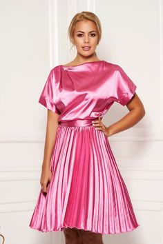 StarShinerS fuchsia dress elegant cloche midi from satin accessorized with tied waistband folded up Satin Skirt, Satin Dresses, Elegant Dresses, Pretty Dresses, Dress Skirt, Full Midi Skirt, Pleated Skirts, Dress Outfits, Fashion Dresses