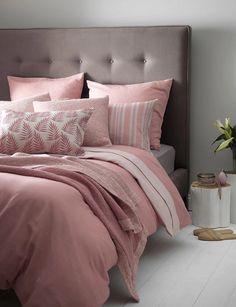 quarto decorado com cinza e rosa