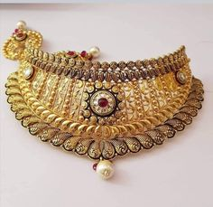 Gold Ring Designs, Gold Jewellery Design, Gold Jewelry, Gold Choker Necklace, Short Necklace, India Jewelry, Necklace Designs, Wedding Jewelry, Jewelry Collection