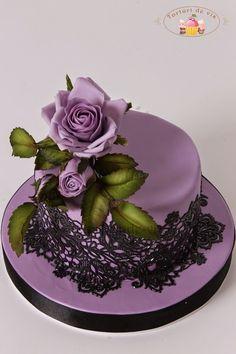 Torturi - Viorica's cakes: Dantela si trandafiri
