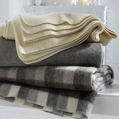 Couverture pure laine romu carreaux gris La Redoute Interieurs | La Redoute Blanket Stitch, Wool Blanket, Farm Yard, Smell Good, Lady Grey, Am Pm, Bedroom, Stitching, Shops