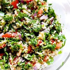 Quinoa Tabbouleh Salad - Beauty Bites- Fresh and healthy quinoa salad aka quinoa tabbouleh! This quinoa recipe is easy, vegan, gluten-free and delicious – great healthy side dish that goes with almost anything! Quinoa Tabbouleh, Quinoa Salat, Chickpea Salad, Quinoa Soup, Quinoa Salad Recipes, Healthy Recipes, Lentil Recipes, Free Recipes, Best Anti Inflammatory Foods