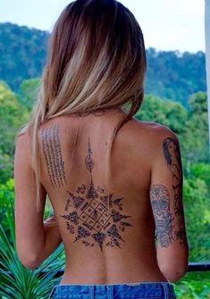 Tatouage : 200 modèles et idées pour un tatouage femme - #femme #idées #modèles #pour #tatouage