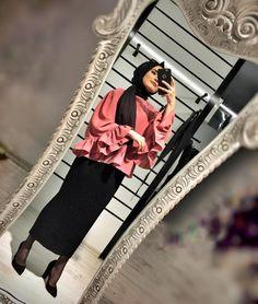 Abaya Fashion, Muslim Fashion, Modest Fashion, Women's Fashion, Hijab Elegante, Hijab Chic, Modest Outfits, Chic Outfits, Fashion Outfits