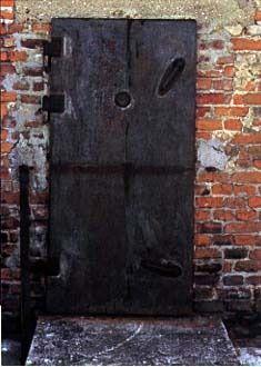 Majdanek. Gas chamber door.