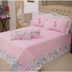Quilt Bedding, Bedding Sets, Draps Design, Bed Cover Design, Designer Bed Sheets, Patchwork Quilt Patterns, Shabby Chic Bedrooms, Geometric Pillow, Home Room Design