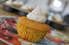 The easiest and best pumpkin cupcakes ever with cinnamon cream cheese icing!