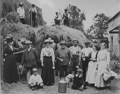 It might be thought that the two women wearing hats are just visiting the yard but in fact there was a tradition for women to dress up on the final day of the harvest and help rake up the last of the corn. Vintage Photographs, Vintage Images, Old Pictures, Old Photos, Farm Day, Pioneer Life, Farm Photo, People Of Interest, Vintage Farm