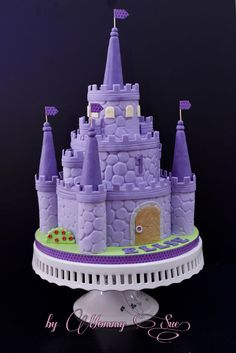 Sofia the First Castle Cake - Cake by Mommy Sue Castle Birthday Cakes, Birthday Cake Girls, Castle Cakes, Bolo Sofia, Sophia Cake, Sofia The First Cake, Rodjendanske Torte, Disney Cakes, Novelty Cakes