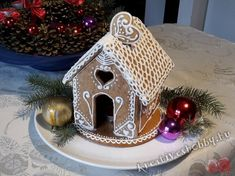 Mézeskalács-házikó - Kreatív+Hobby Alkotóműhely Gingerbread Cookies, Bird, Outdoor Decor, Christmas, Home Decor, Anna, Noel, Ginger Beard, Gingerbread Cupcakes